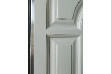 Тарасово дверь с терморазрывом с накладкой из натурального дуба