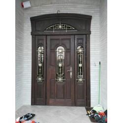 <Тарасово дверь с терморазрывом с накладкой из натурального дуба