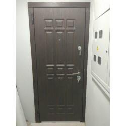 <Входные двери Боровляны 2 контура двухцветное полотно
